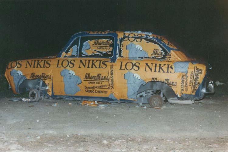 los-nikis-coche