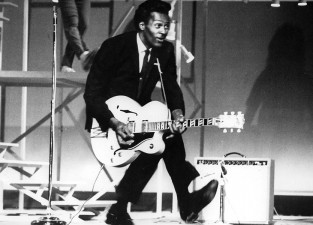 chuck-berry-live-tv-apertura