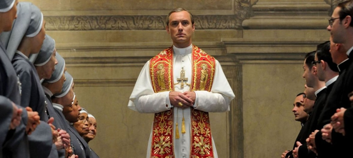 Jude-Law-in-the-Young-Pope