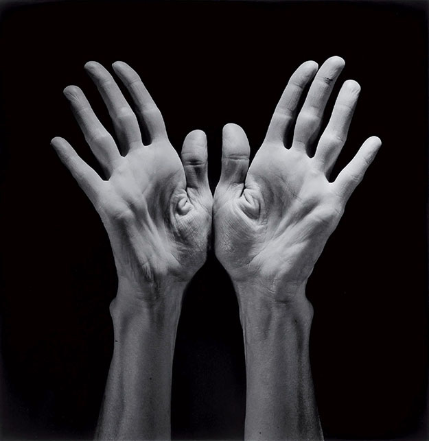 Robert Mapplethorpe_Revista Don_hands