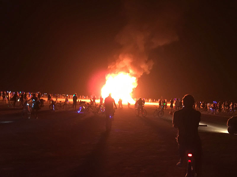 la-despensa-burning-man-2017-dia-3-fuego